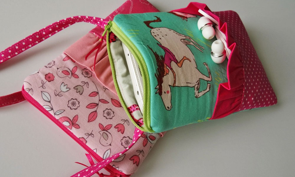 Sweet Talk Phone Bag Pattern Makes Cute Girl's Purse