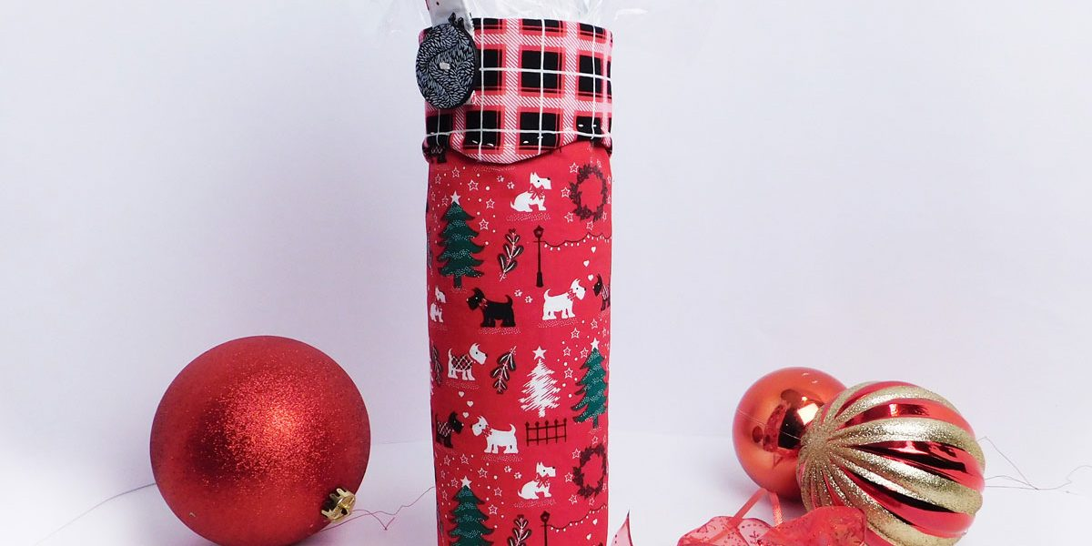 Make a Christmas Gift Bag With This Free Tutorial